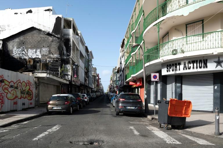Une rue de Pointe-à-Pitre, en Guadeloupe, reconfinée pour au moins trois semaines, le 30 juillet 2021