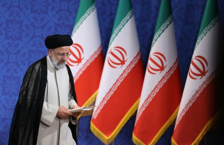 Le président élu de l'Iran, Ebrahim Raïssi, est photographié lors de sa première conférence de presse à Téhéran le 21 juin 2021