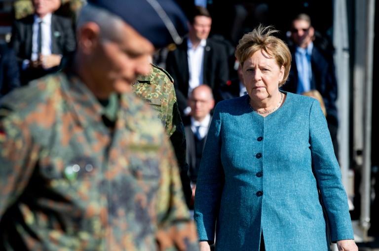 La chancelière allemande assiste à une cérémonie militaire à Seedorf, nord de l'Allemagne, le 22 septembre 2021