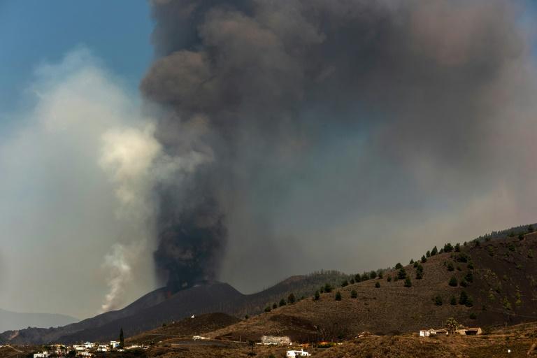 Le volcan Cumbre Vieja en éruption sur l'île de Palma, aux Canaries, en Espagne, le 26 septembre 2021