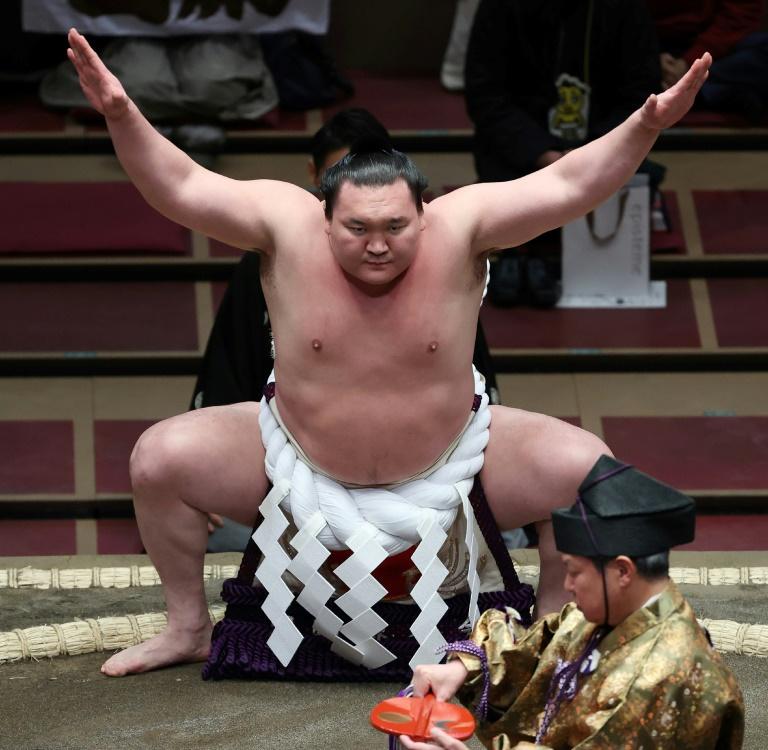 Le grand champion (yokozuna) de sumo Hakuho le 15 mars 2021 lors d'un tournoi à Tokyo