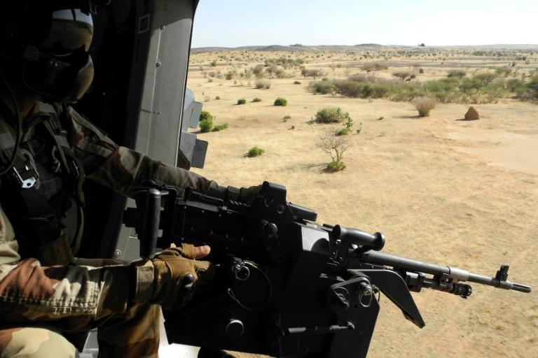 Un soldat français de la force Barkhane en opération au Mali, près de la frontière avec le Burkina Faso, en novembre 2017