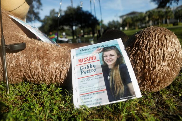 Un mémorial en l'honneur de Gabby Petito à North Port, en Floride, le 20 septembre 2021