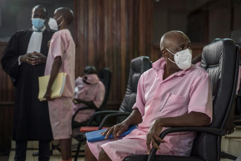 Paul Rusesabagina, qui a inspiré le film Hôtel Rwanda et est devenu un critique du président Paul Kagame , comparaît devant un tribunal de Kigali, le 17 février 2021