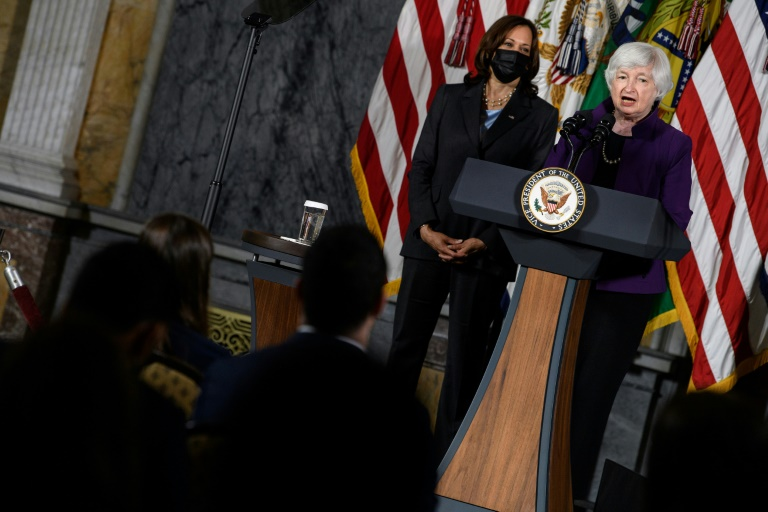 La secrétaire américaine au trésor Janet Yellen avec la vice-présidente Kamala Harris à Washington le 15 septembre 2021