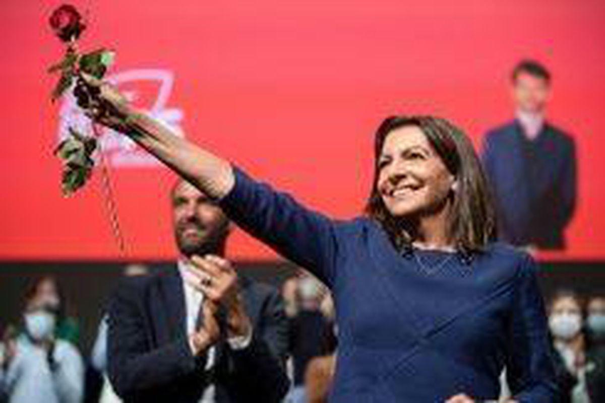 <p/>La maire de Paris, Anne Hidalgo, investie par le PS pour la présidentiell                 </div>             </div>          </div>                   <div class=