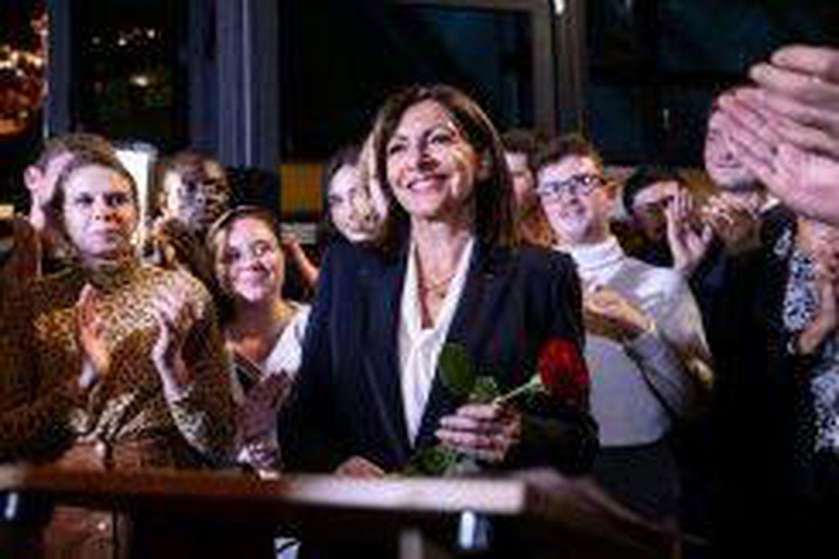 <p/>La maire de Paris, Anne Hidalgo (c), investie par le PS pour la président                 </div>             </div>          </div>                   <div class=