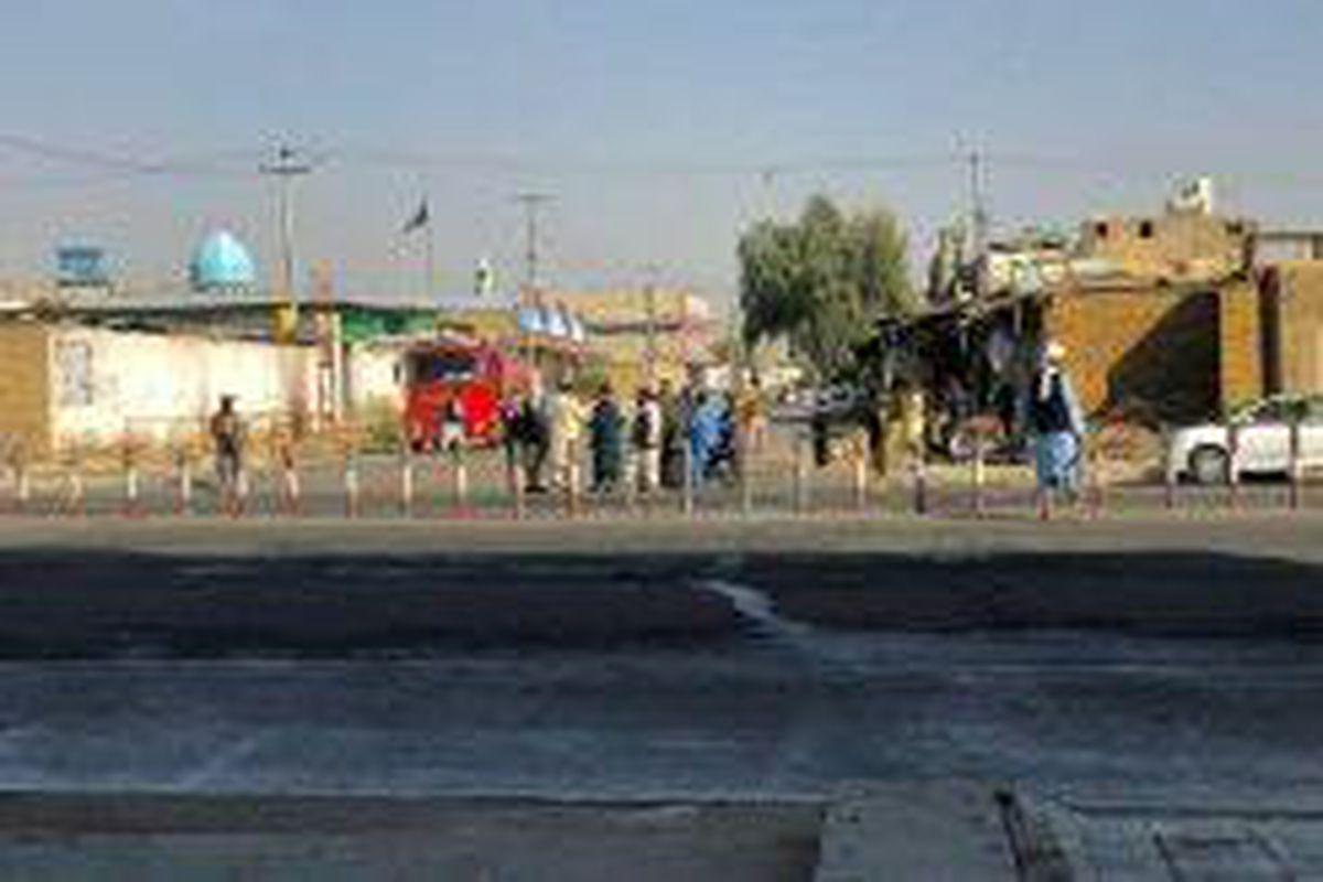 <p/>Des talibans montent la garde près d'une mosquée chiite après des explosi                 </div>             </div>          </div>                   <div class=