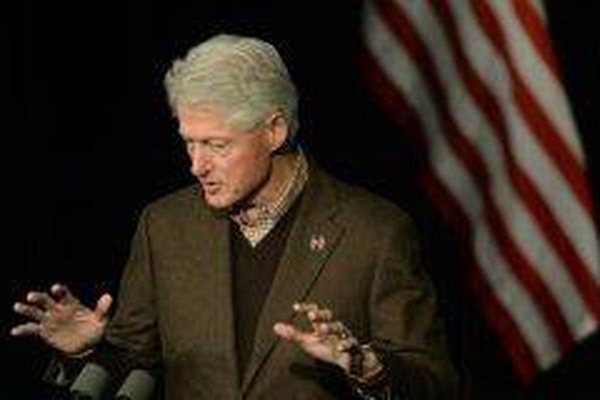 <p/>L'ancien président américain Bill Clinton le 4 janvier 2019 à Exeter dans                 </div>             </div>          </div>          </div></div> <!-- ./block -->                            </div>                         </div>                                     </div> <!-- /.td-pb-row -->         </div> <!-- /.td-container -->     </div> <!-- /.td-main-content-wrap -->  <!-- Instagram -->                <div class=