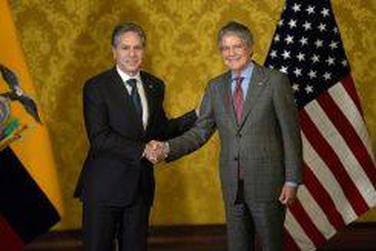 <p/>Le secrétaire d'Etat américain Antony Blinken (g) et le président équator                 </div>             </div>          </div>                   <div class=